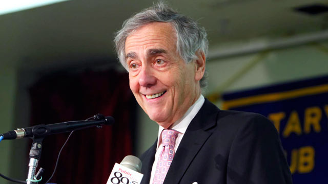 PHOTO: George Kaiser speaks at the Rotary Club of Tulsa, July 8, 2009.