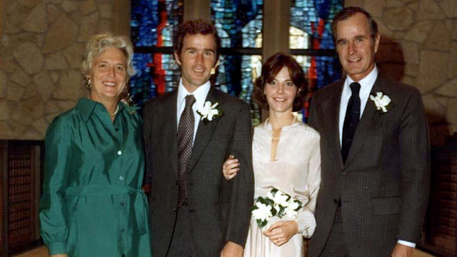 Photo President George W And Laura Bush Pose At Their Wedding With