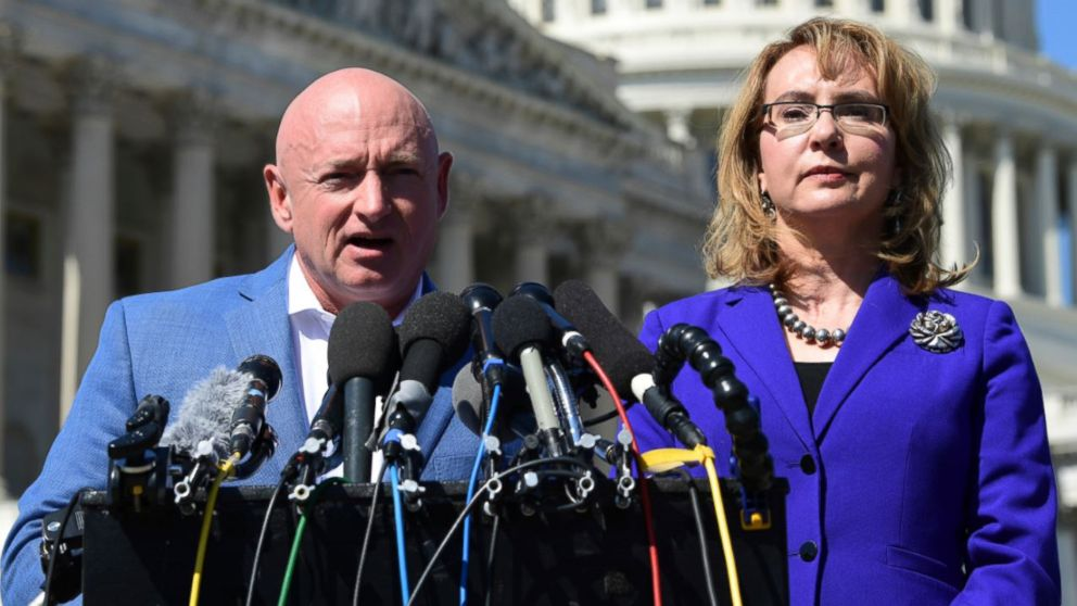Former astronaut Mark Kelly announces run against GOP Sen. Martha McSally thumbnail