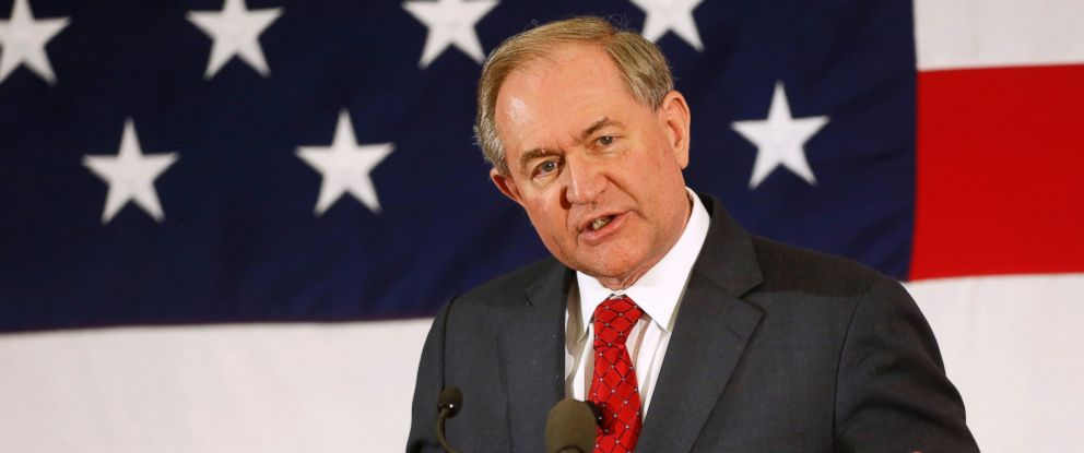 PHOTO: Former Virginia Gov. Jim Gilmore speaks at a Republican Leadership Summit, April 17, 2015, in Nashua, N.H.