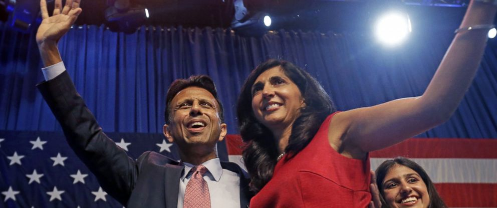 PHOTO: Louisiana Gov. Bobby Jindal waves to the crowd with his wife Supriya Jindal after he announced his candidacy for president in Kenner, La., June 24, 2015.