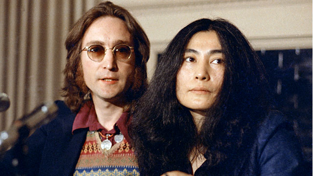 PHOTO John Lennon And Yoko Ono