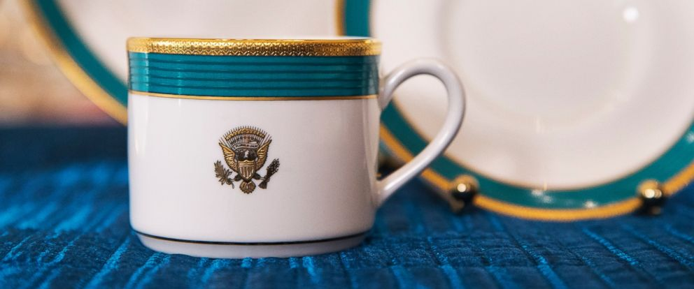 """PHOTO: The White House previewed its new """"Kailua Blue"""" china ahead of Tuesdays State Dinner with Japanese Prime Minister Shinzo Abe, April 27, 2015, in the State Dining Room of the White House in Washington."""