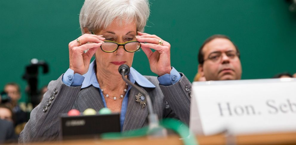 PHOTO: Health and Human Services Secretary Kathleen Sebelius prepares to testify on Capitol Hill in Washington, Oct. 30, 2013.