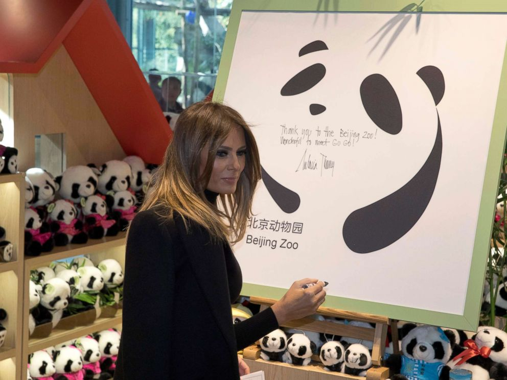 PHOTO: U.S. first lady Melania Trump leaves well-wishes on a board after visiting the Panda enclosure at the zoo in Beijing Friday, Nov. 10, 2017.