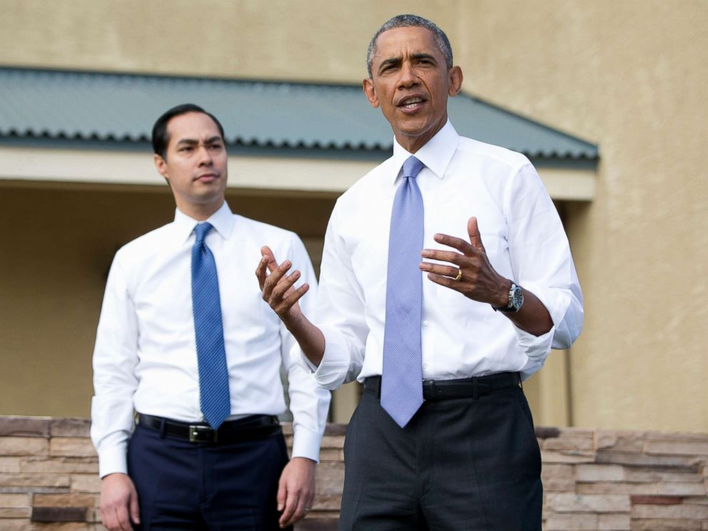 PHOTO: President Barack Obama, joined by Housing and Urban Development Secretary Julian Castro speaks outside a home in a housing development in Phoenix, Jan. 8, 2015.