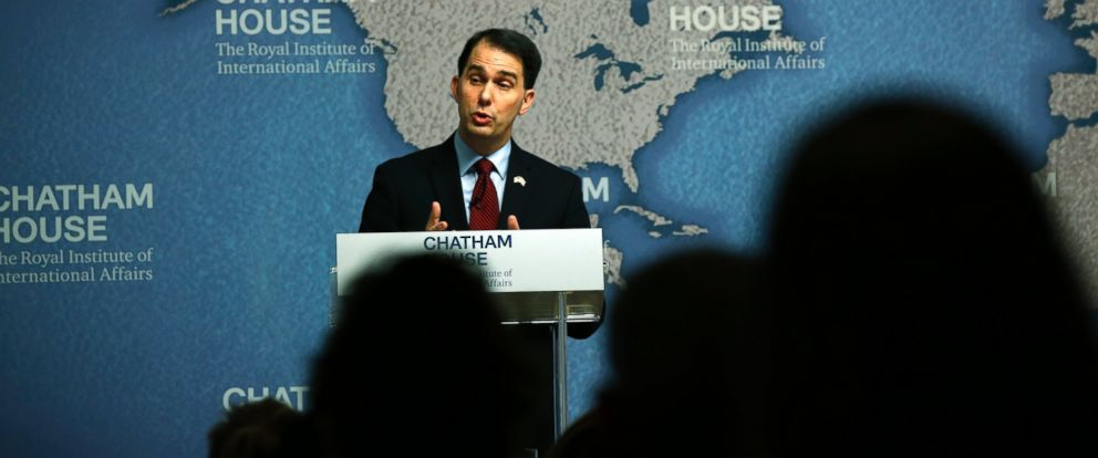 PHOTO: Wisconsin Gov. Scott Walker delivers his speech at Chatham House in central London, Feb. 11, 2015.