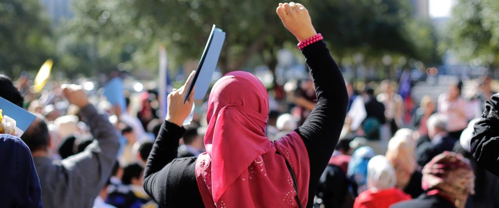 PHOTO: Participants cheer during a Texas Muslim Capitol Day rally on Jan. 29, 2015 in Austin, Texas.