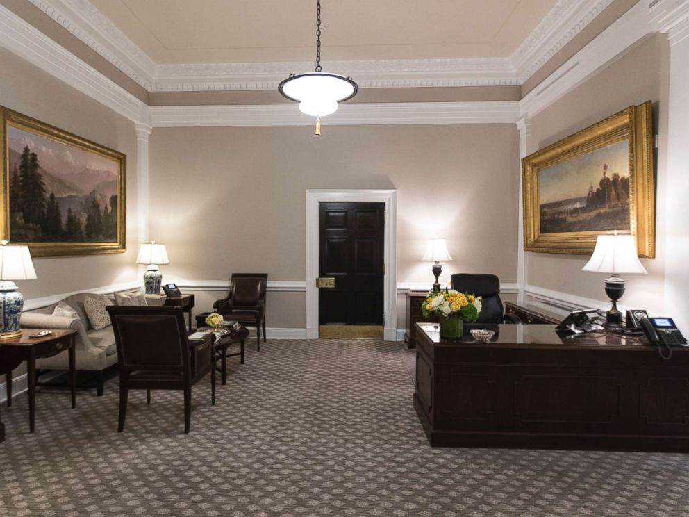 Photo The Newly Renovated West Wing Lobby Of White House Is Seen In Washington