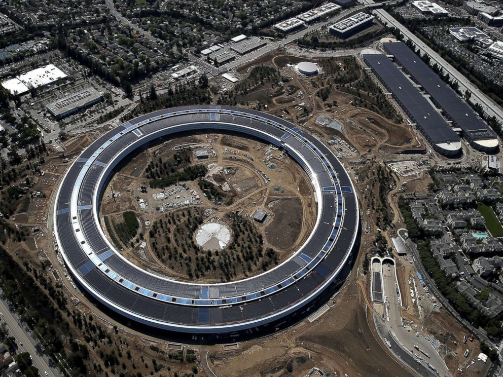 PHOTO: An aerial view of the new Apple headquarters, April 28, 2017, in Cupertino, Calif.