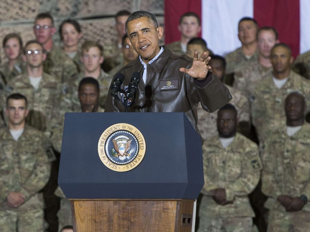 PHOTO: President Barack Obama speaks during a surprise visit with U.S. troops at Bagram Air Field, north of Kabul, in Afghanistan, May 25, 2014, prior to the Memorial Day holiday.