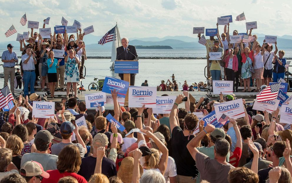 PHOTO: Vermont Senator Bernie Sanders announces his candidacy for president on May 26, 2015 at Waterfront Park in Burlington, Vt.
