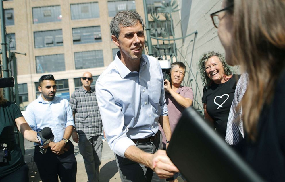 PHOTO: Democratic presidential candidate, former Rep. Beto ORourke (D-TX)enters the Downtown Womens Center, which serves women who are either experiencing homelessness or are formerly homeless, Sept. 17, 2019, in Los Angeles.