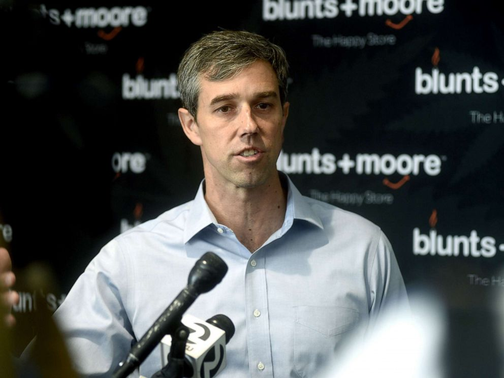 PHOTO: Democratic Presidential candidate Beto ORourke speaks at Blunts+Moore in Oakland, Calif., Sept. 19, 2019.