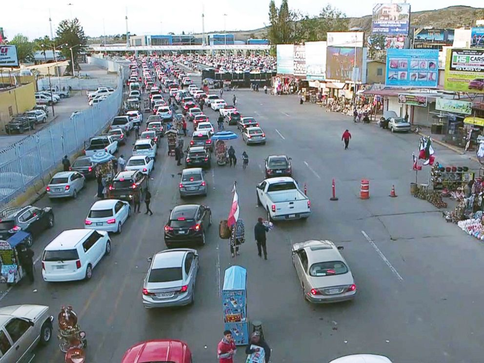 PHOTO: Cars in Tijuana, Mexico, wait in line at a port of entry into San Diego.