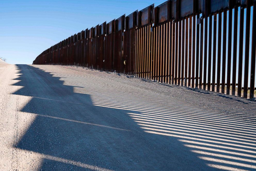 PHOTO: The U.S.-Mexico border fence near New Mexicos Highway 9, near Santa Teresa, Dec. 23, 2018.