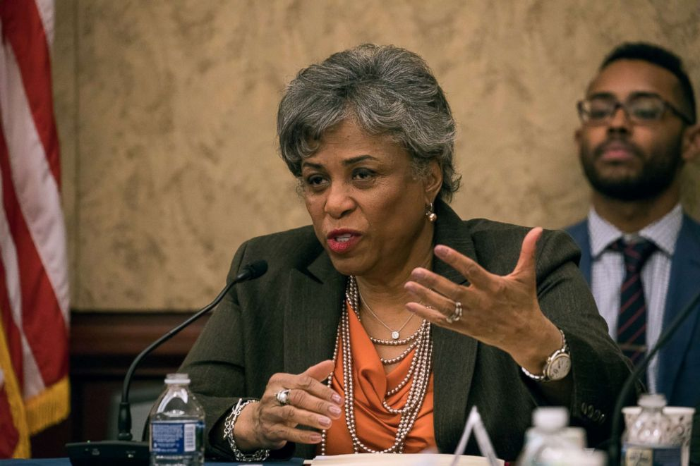 Rep. Brenda Lawrence speaks at a forum to examine evidence-based violence prevention and school safety measures, March 20, 2018.