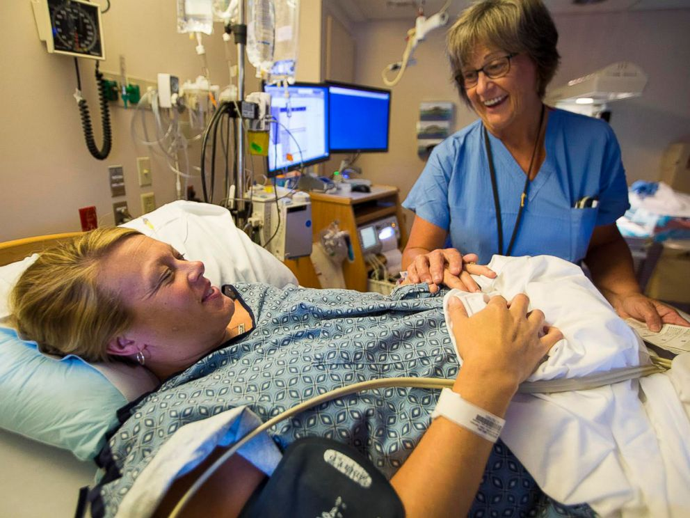 PHOTO: Melisa McDougall hears comforting words from her nurse at South Shore Hospital in Weymouth, Mass. Part of the focus of the Team Birth Project is on facilitating communication among parents, nurses and doctors.