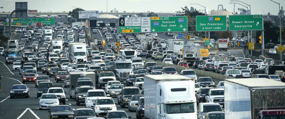 PHOTO: Vehicles in traffic travel along Interstate 80 in Emeryville, Calif., Sept. 27, 2018.