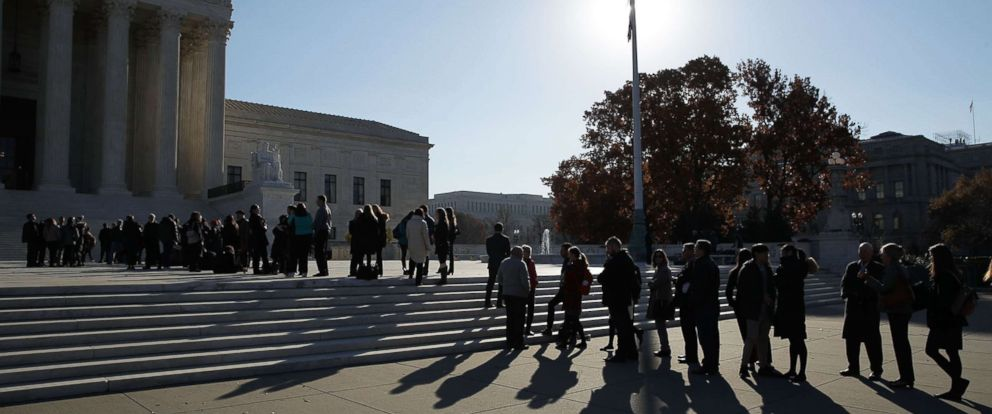 PHOTO: People wait in line to enter the U.S. Supreme Court to view a hearing, Carpenter vs. United States, Nov. 29, 2017 in Washington, DC.