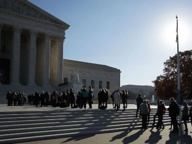 Supreme Court rules that police generally need a warrant to access cell phone data