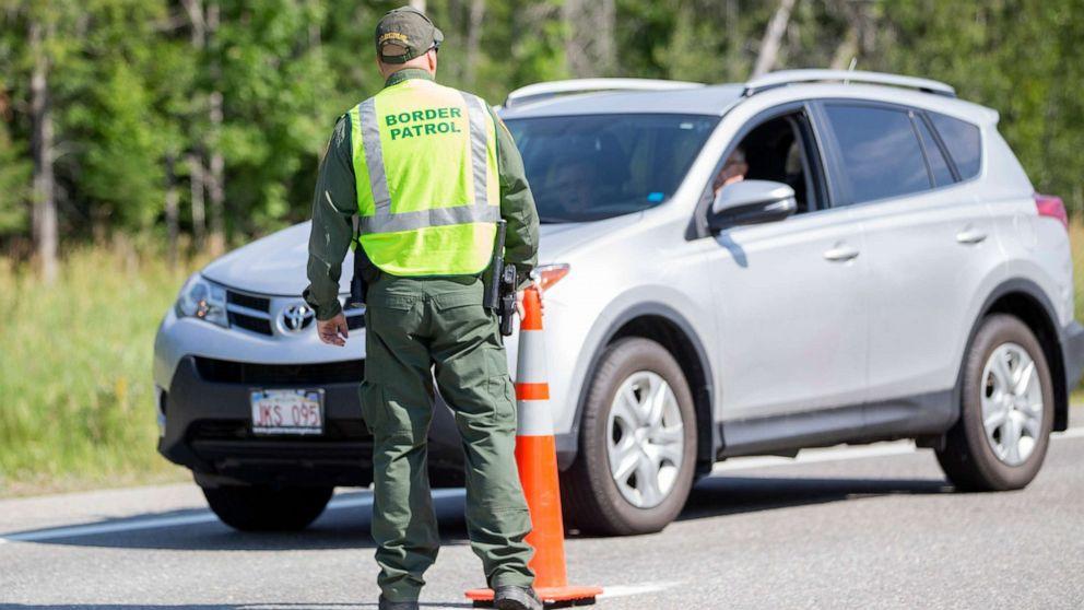 Trump administration indefinitely extends US border restrictions, citing coronavirus thumbnail