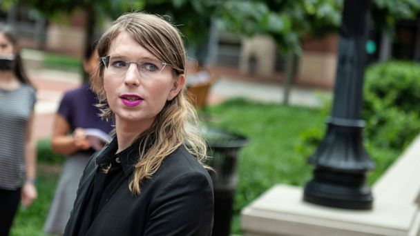 Chelsea Manning ordered back to jail for defying grand jury subpoena