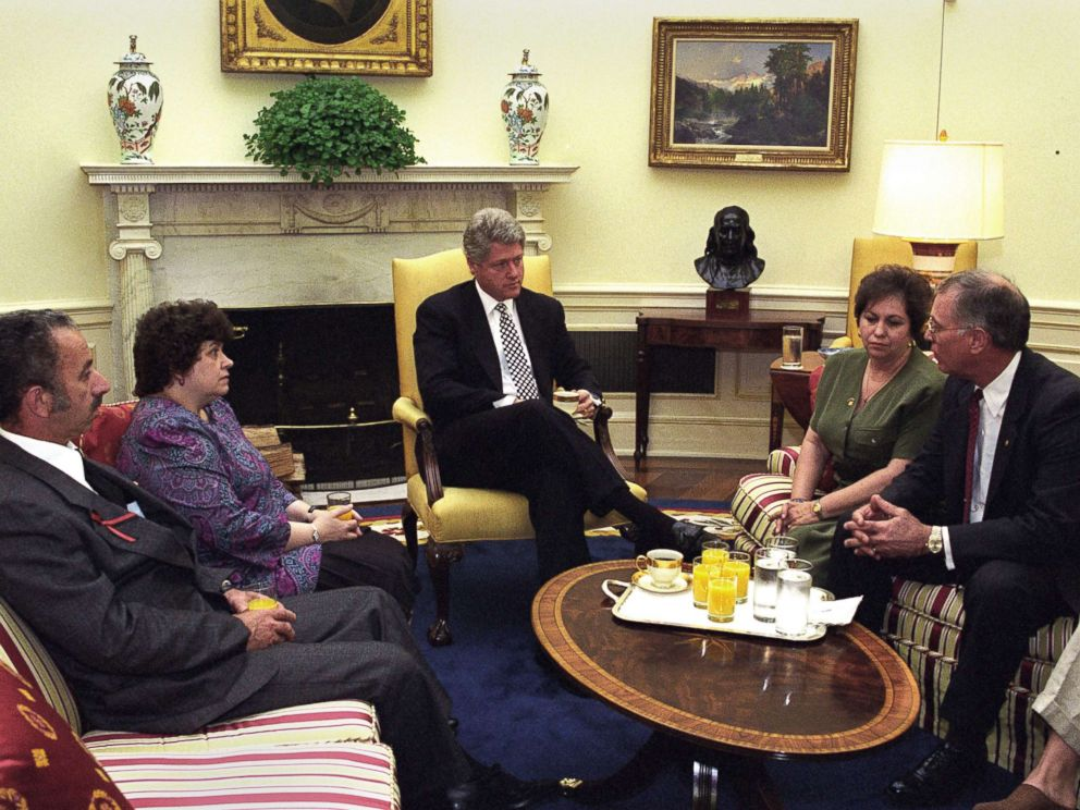 PHOTO: President Clinton meets with James and Caroline Smith and Gail and Larry Joyce in the Oval Office, May 12, 1994. Their sons died after two helicopters were shot down in a mission in Somalia in 1993.