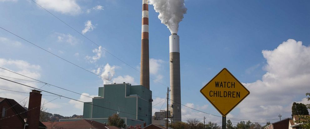 PHOTO: A view of the smoke stack of the 47-year old Cheswick coal-fired power plant, Oct. 26, 2017 in Springdale, Pa.