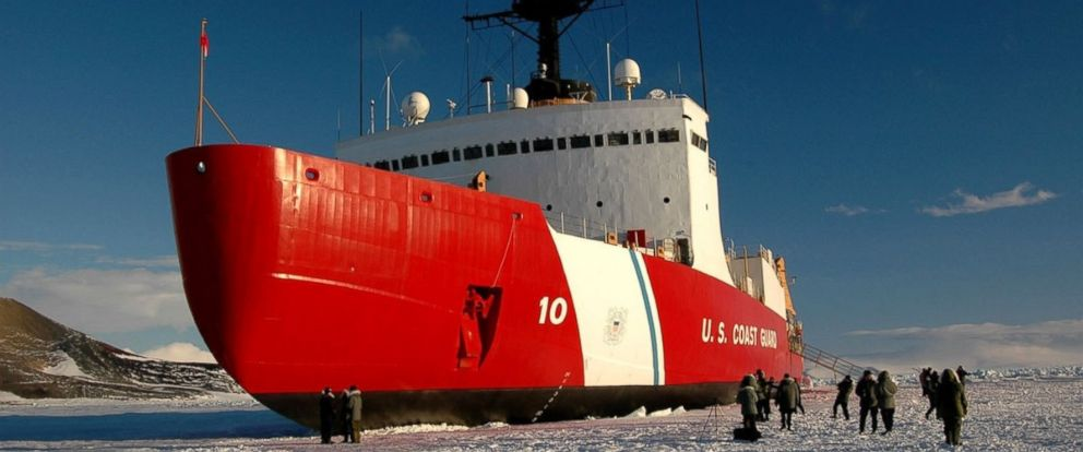PHOTO: The Coast Guard Cutter Polar Star in Antartica.