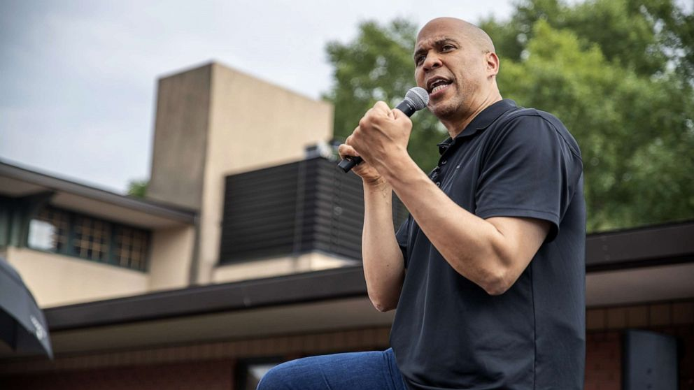For Cory Booker, water crisis awakens ghosts of past Newark water scandal - ABC News