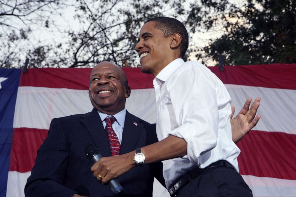 PHOTO: Rep. Elijah Cummings welcomes Senator and Presidential candidate Barack Obama to the stage as he addresses thousands of supporters on the campus of Prince Georges Community College.