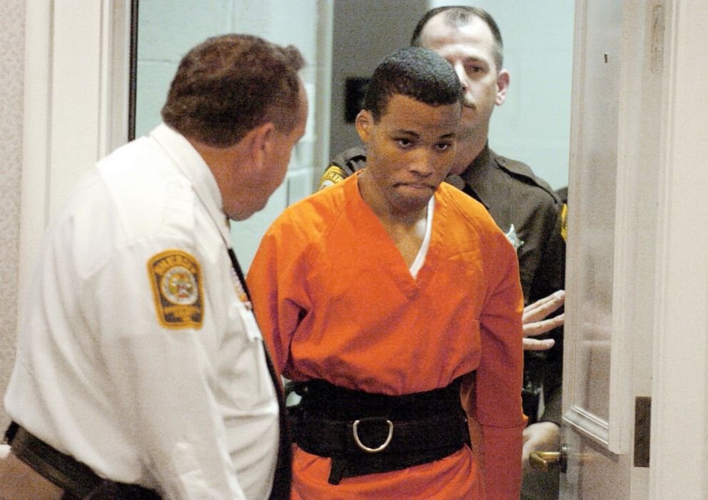 PHOTO: In this Oct. 26, 2004, file photo, Lee Boyd Malvo enters a courtroom in the Spotsylvania, Va., Circuit Court.