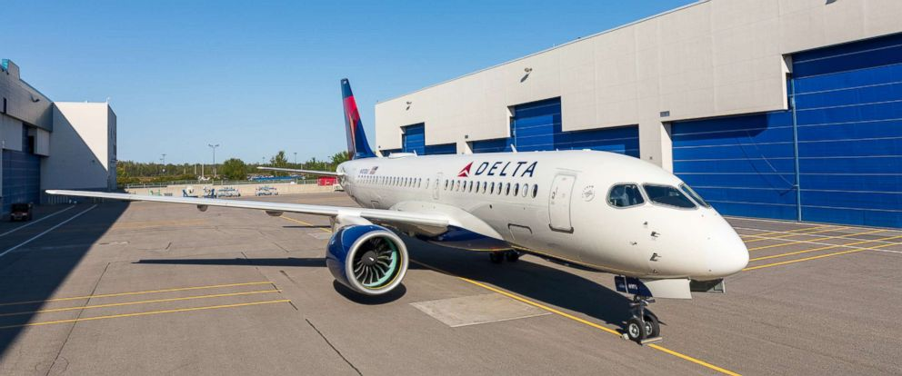 PHOTO: Delta Air Lines first A220.