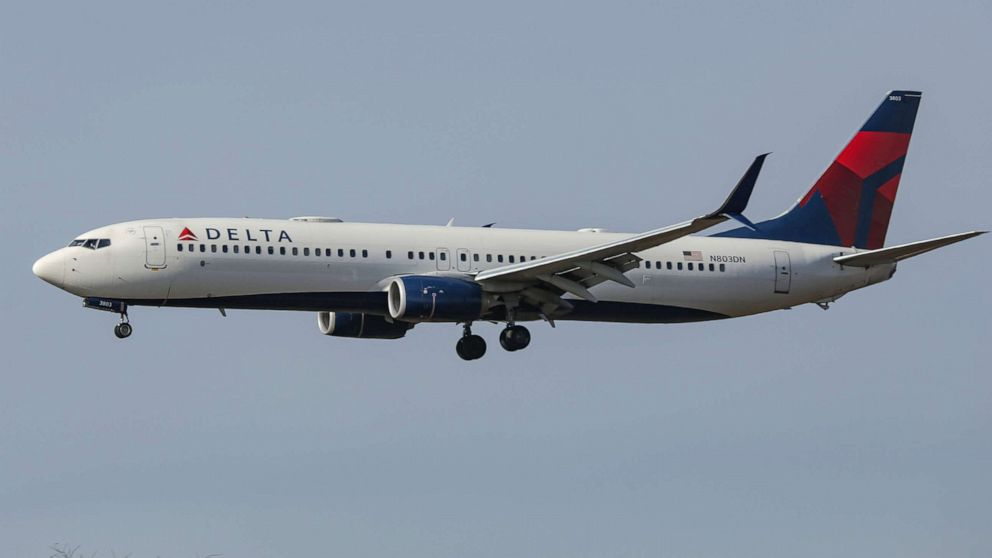 FAA proposes $52,500 fine against unruly passenger