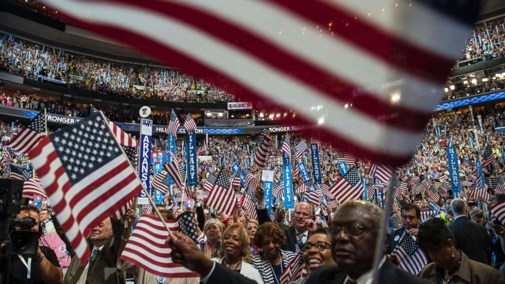 Democrats set polling, fundraising thresholds for first two presidential debates thumbnail