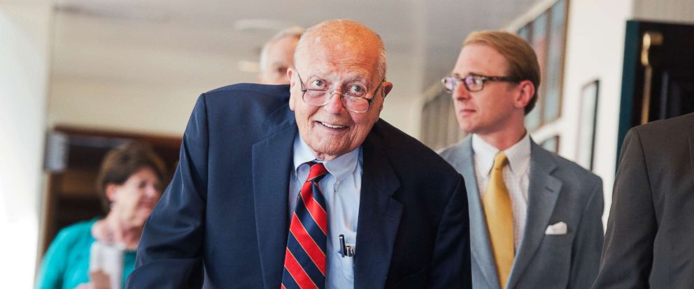 PHOTO: Rep. John Dingell, D-Mich., arrives at the National Press Club to speak at a luncheon, June 27, 2014.