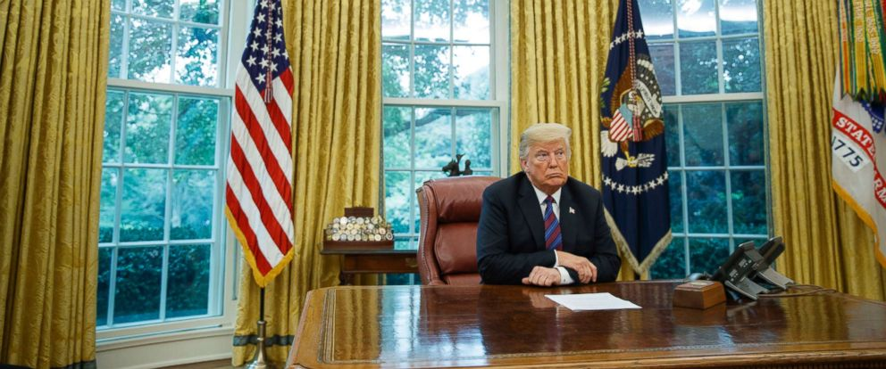 PHOTO: President Donald Trump listens during a phone call with Mexican President Enrique Pena Nieto about a trade agreement between the US and Mexico, in the Oval Office of the White House, Aug. 27, 2018.