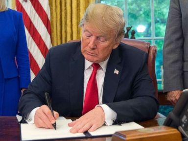 Trump's conflicting rhetoric on border separations muddles immigration debate