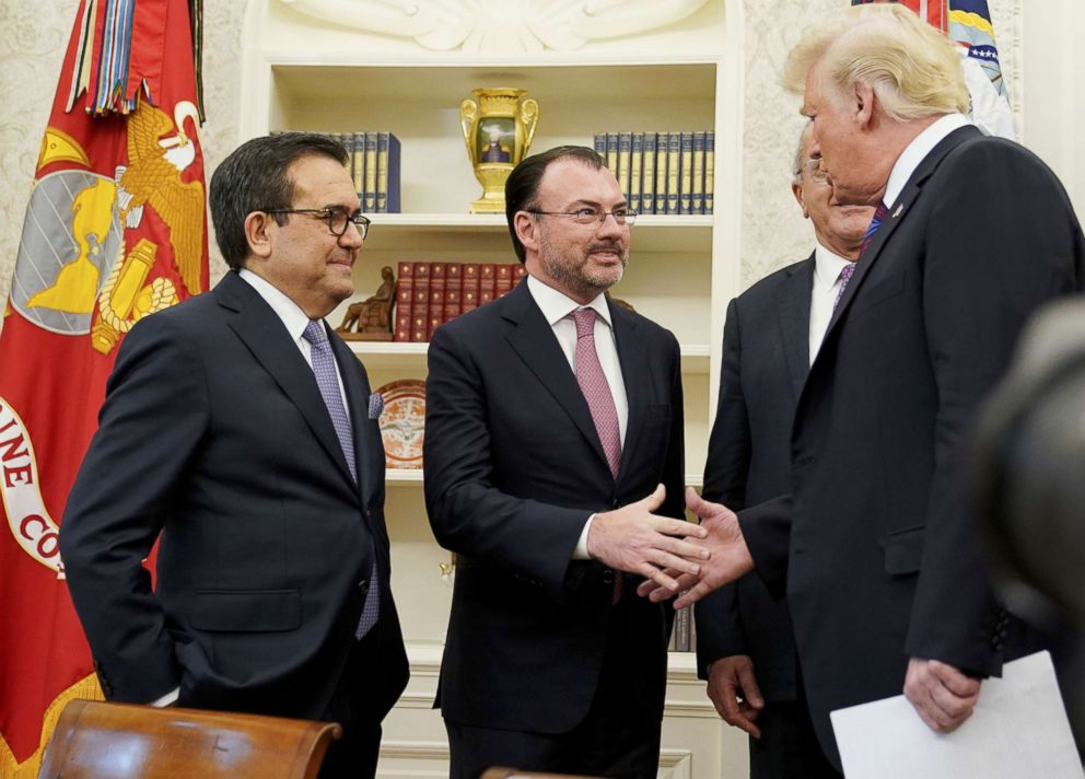 PHOTO: President Donald Trump shakes hands with Mexicos Foreign Minister Luis Videgaray Caso as he arrives to speak on trade in the Oval Office of the White House in Washington, Aug. 27, 2018.