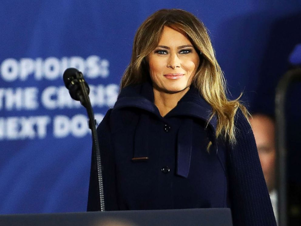 PHOTO: First lady Melania Trump walks onto the stage to introduce her husband and to speak about opioids at an event at Manchester Community College on March 19, 2018 in Manchester, N.H.