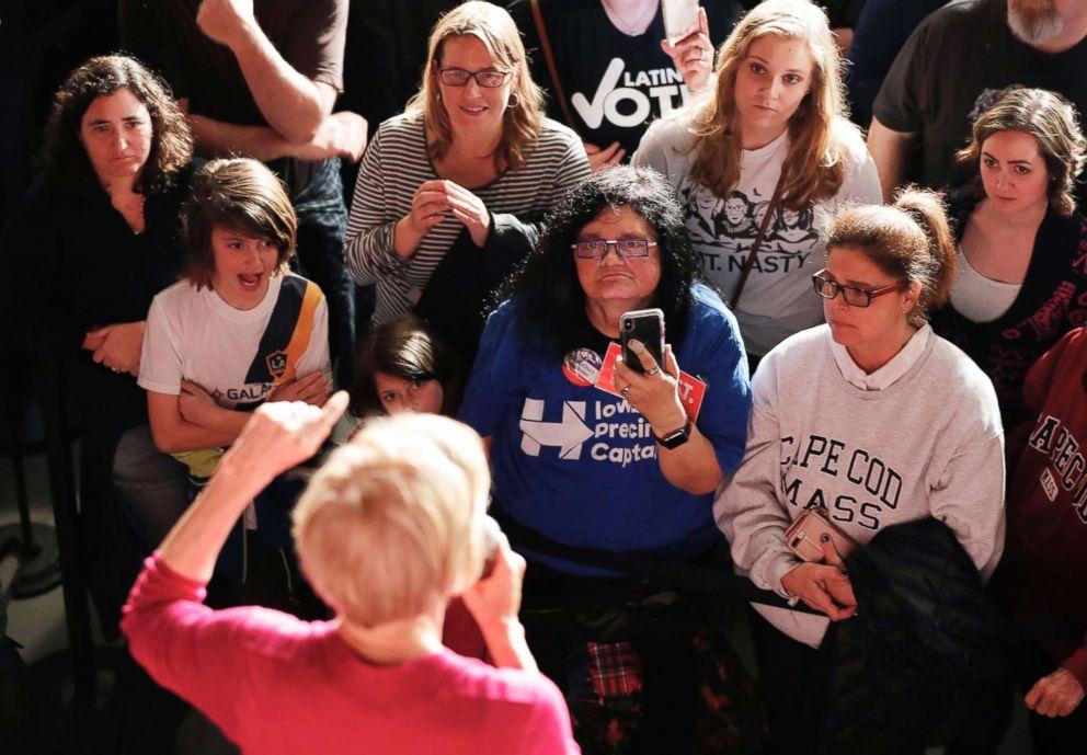 PHOTO: The crowd listens as Sen. Elizabeth Warrenspeaks during an organizing event in Des Moines, Iowa, Jan. 5, 2019.
