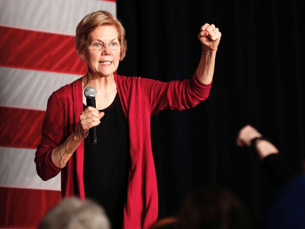 PHOTO: Sen. Elizabeth Warren speaks during an organizing event in Des Moines, Iowa, Jan. 5, 2019.