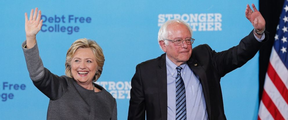 PHOTO: Hillary Clinton and Senator Bernie Sanders appear at campaign stop where they talked about Clintons plan for less expensive education, at the University of New Hampshire in Durham, N.H., Sept. 28, 2016.