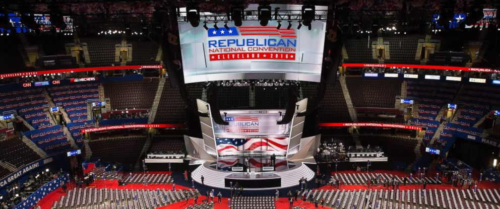 PHOTO: Workers continue final preparations inside Quicken Loans Area prior to the start of the first day of the 2016 Republican National Convention in Cleveland, Ohio, July 18, 2016.