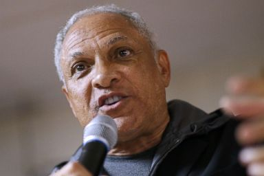 PHOTO: Senate candidate Mike Espy speaks to voters in Vicksburg, Miss., Nov. 24, 2018.
