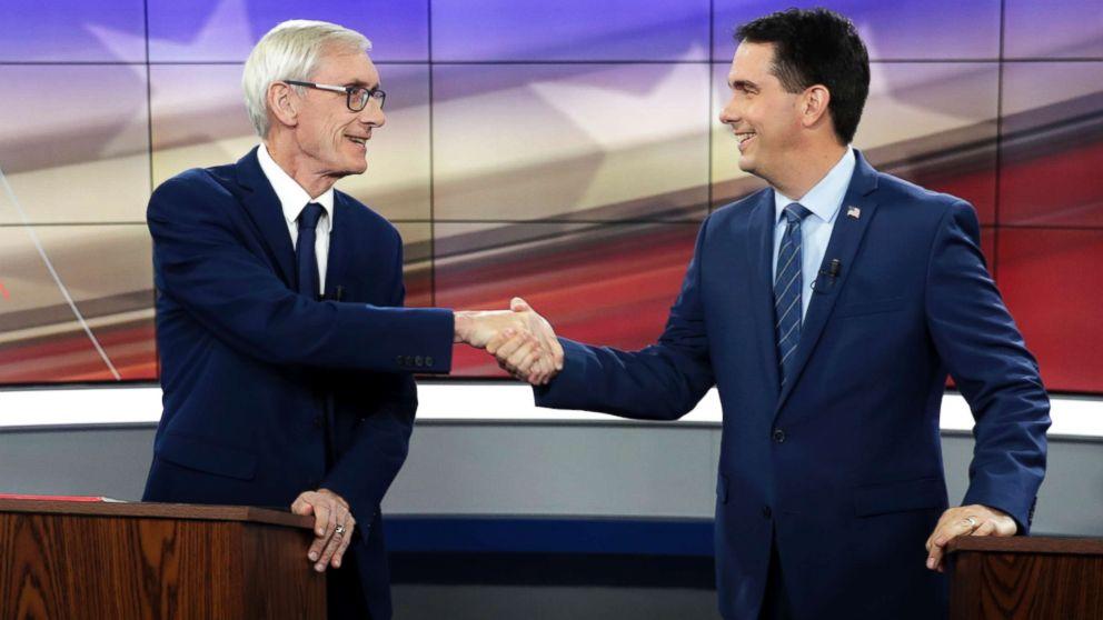 Democrats ramp up pressure on Gov. Scott Walker amid accusations of GOP 'power grab'