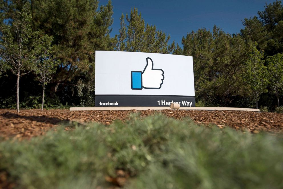 PHOTO: The Like logo is displayed at Facebook Inc. headquarters in Menlo Park, Calif., Oct. 22, 2015.
