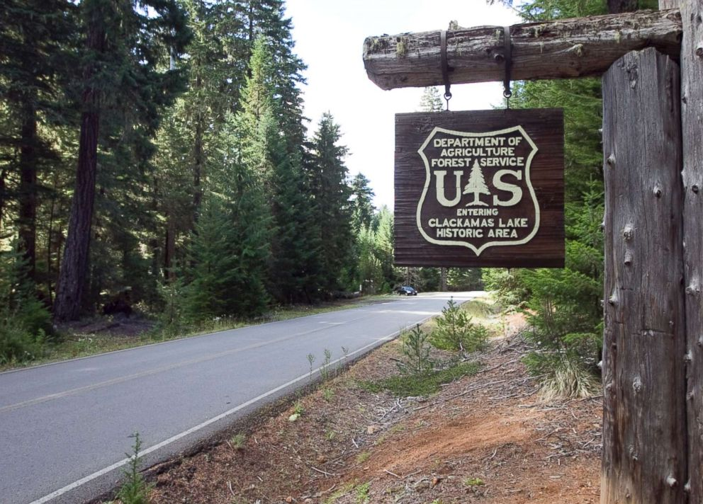 PHOTO: A U.S. Forest Service sign welcomes visitors to Clackamas Lake Historic Area September 27, 2014.