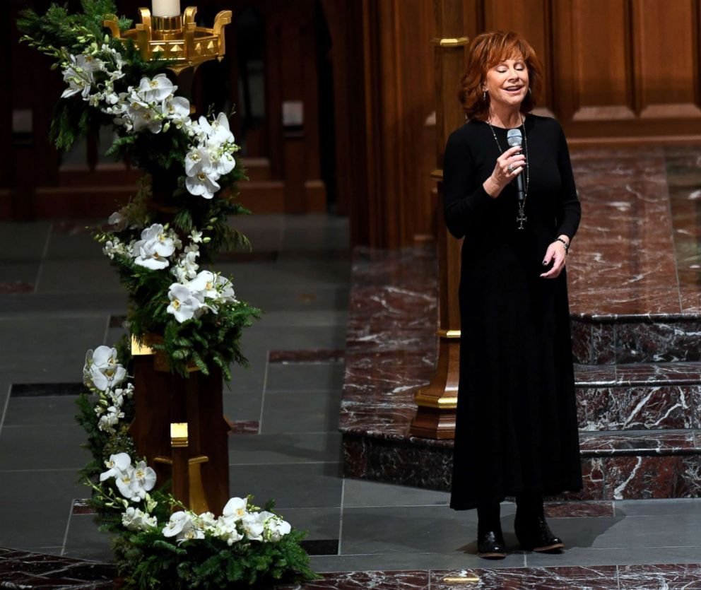 PHOTO: Reba McEntire performs at funeral service for former President George H.W. Bush at St. Martins Episcopal Church in Houston, Dec. 6, 2018.